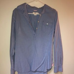 Vineyard Vines Woman's button down shirt